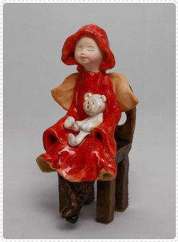 Anioł na małym krześle 1