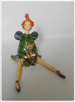 Anioł siedzący lalka