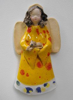 Anioł wiszący z ceramiki